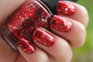 Source: mygirlyside  #red #red nail polish #glitter #sparkles #OPI #nail polish